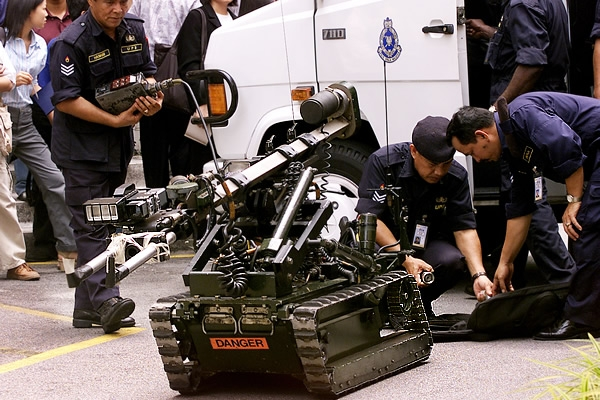 robots-antibombas
