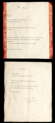 """Un telegrama a Paul McCartney y su respuesta en una fotografía proporcionada por Hard Rock International el viernes 10 de mayo de 2013. Un telegrama enviado por Miles Davis y Jimi Hendrix a Paul McCartney invitaba al beatle a participar con ellos en un disco. El telegrama fue enviado hace más de 40 años pero había permanecido en el olvido hasta el lanzamiento en 2013 de """"People, Hell & Angels"""", un CD con material inédito de Hendrix. (Foto AP/Hard Rock Cafe)"""