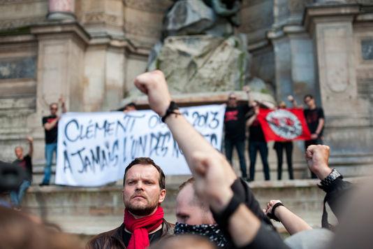 Durante el homenaje a Clemente Meric, en Place Saint-Michel. | Olivier Coret/ french-politics pour Le Monde
