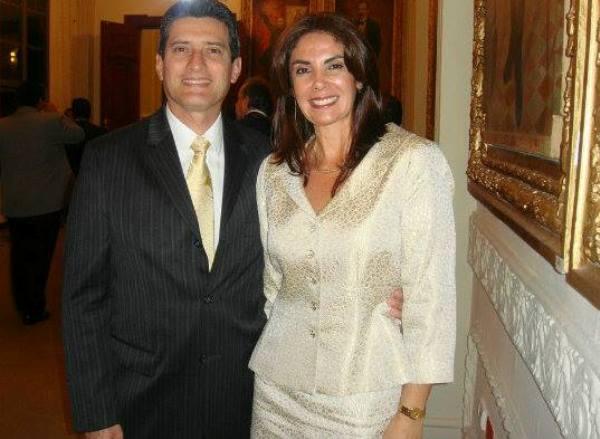 Dr. Galo Chacón y Sandra Páez de Chacón.