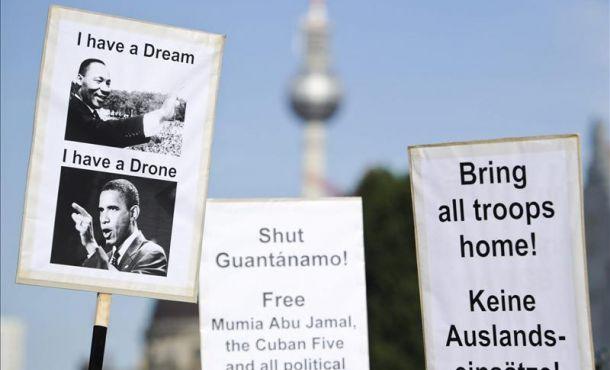 Las protestas por la visita de Obama en Alemania no se hicieron esperar.