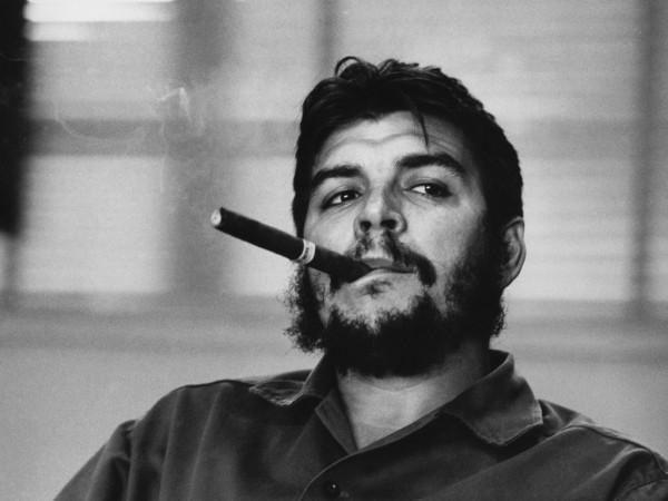 La foto de Rene Burri, retratando al Che Guevara es una de las más famosos de la historia.