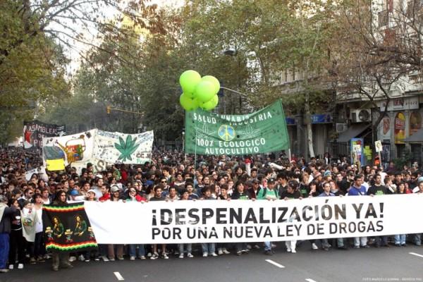 Marcha por la despenalización de drogas. Foto de Archivo, La República.