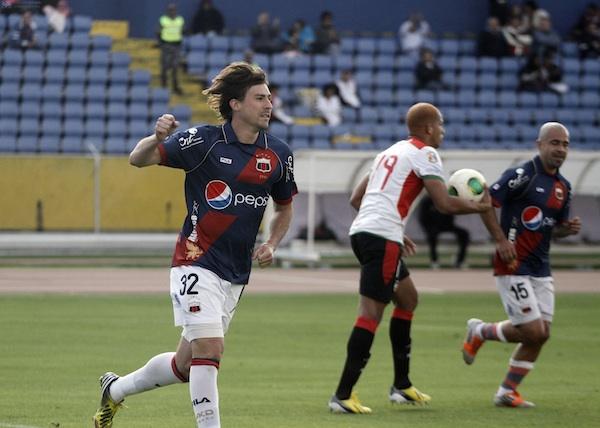 Foto de archivo. Federico Nieto con la camiseta del Deportivo Quito. Foto API.