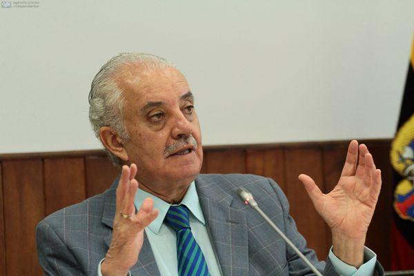 QUITO 18 DE JUNIO 2013. Fiscal General Galo Chiriboga acude a la camision de fiscalizacion por el caso 30S. FOTOS API / JUAN CEVALLOS.