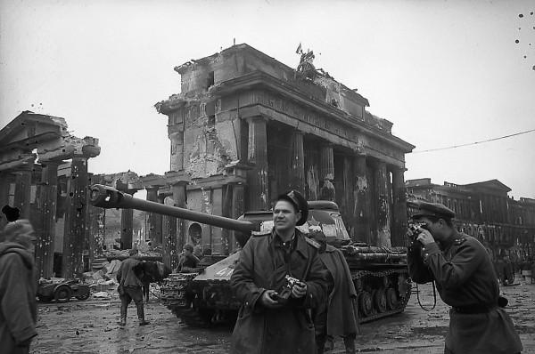 Moscú recuerda que una comisión estatal estableció que los nazis saquearon 427 museos y 4.000 librerías, mientras más de 110 millones de libros y publicaciones fueron pasto de las llamas.