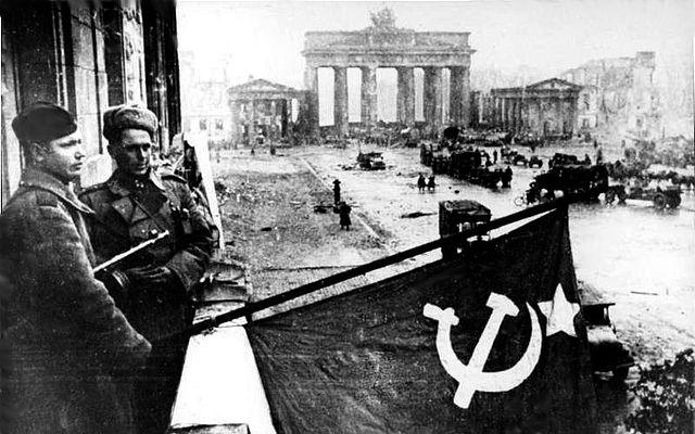 La URSS devolvió a Alemania Oriental 1,5 millones de piezas, entre las que destacan 1.240 obras maestras del Museo de Dresde.