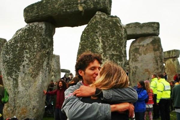 stonehenge-neodruida-verano-solsticio