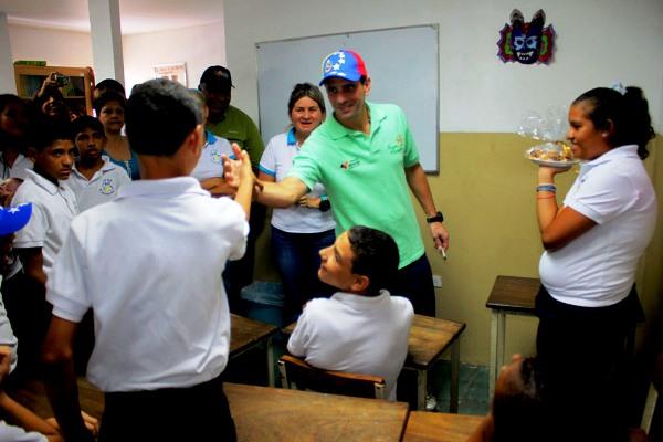 Capriles escuela
