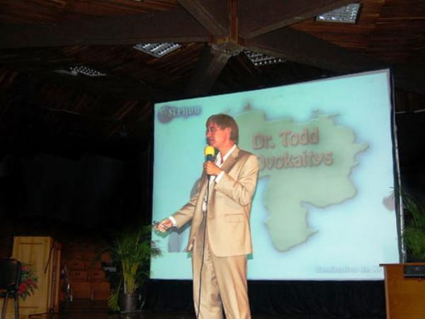 Dr Todd conferencia