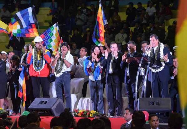 Rafael Correa acusa a varios líderes de Unasur de obstaculizar cumbre con Evo Morales