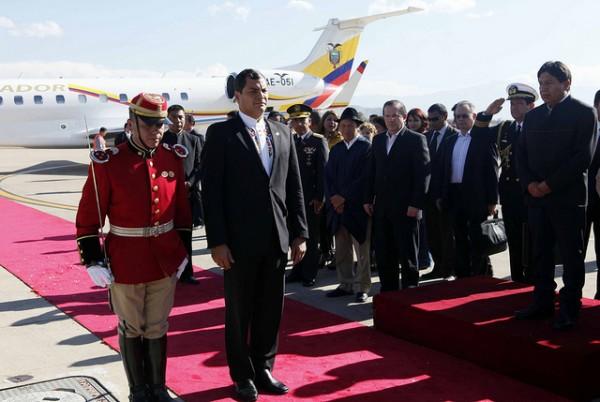 Cochabamba (Bolivia) 04 jul 2013 .- El Presidente de la República, Rafael Correa, arribó a Cochabamba para participar de la Reunión Extraordinaria de Jefes de Estado de la Unión de Naciones Suramericanas (Unasur).