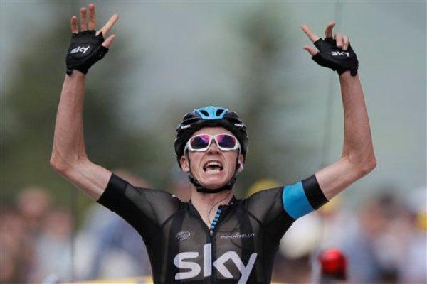 Christopher Froome gana la octava etapa del Tour de Francia en Ax 3 Domaines el 6 de julio del 2013 (AP Foto/Laurent Rebours)
