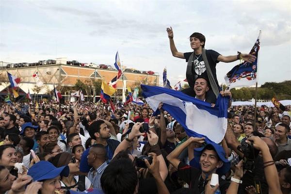 Sao Paulo, 20 jul (EFE).- Miles de jóvenes marcharon hoy por las principales calles del centro de Sao Paulo y se concentraron en una plaza pública de la mayor metrópoli brasileña para un acto religioso y musical que puso fin a la Semana Misionera, programación previa a la Jornada Mundial de la Juventud (JMJ).