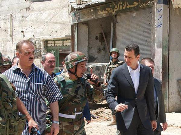 Daraya, a unos 10 kilómetros al suroeste de la capital, fue uno de los bastiones de los opositores hasta que las fuerzas gubernamentales se hicieron con su control en las últimas semanas, tras un fuerte ataque, que activistas calificaron de indiscriminado.