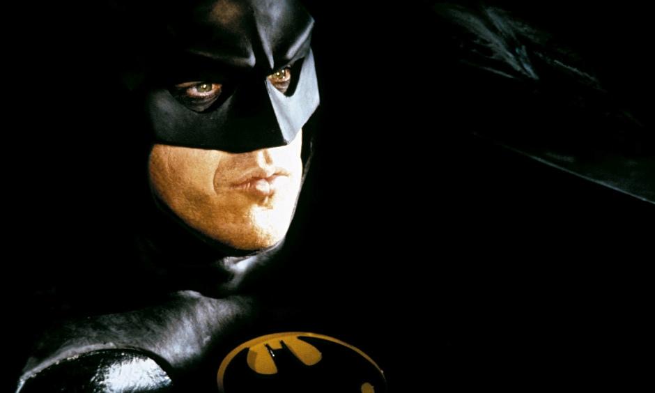 Michael Keaton, como Batman.