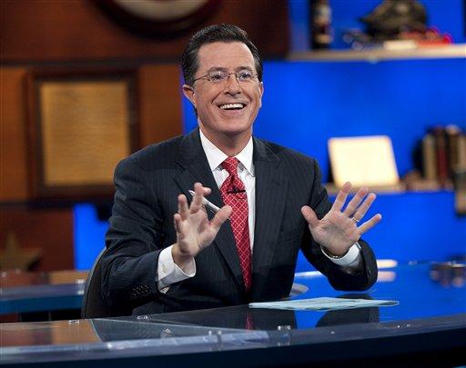 """En esta imagen promocional del 8 de septiembre del 2010 difundida por Comedy Central, Stephen Colbert en su programa """"The Colbert Report"""", en Nueva York. (AP Foto/Comedy Central, Scott Gries)"""