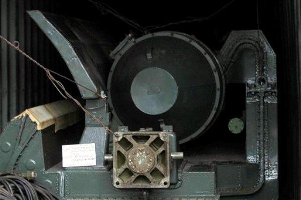 Equipo militar almacenado dentro de un  dentro de un contenedor que transportaba equipo militar a bordo del carguero con bandera Norcoreana Chong Chon Gang. (AP Foto/Arnulfo Franco)