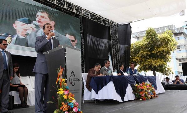 El presidente Correa, en la inauguración de un nuevo complejo judicial, en Guayaquil, el 27 de agosto de 2013. Foto de la Presidencia.