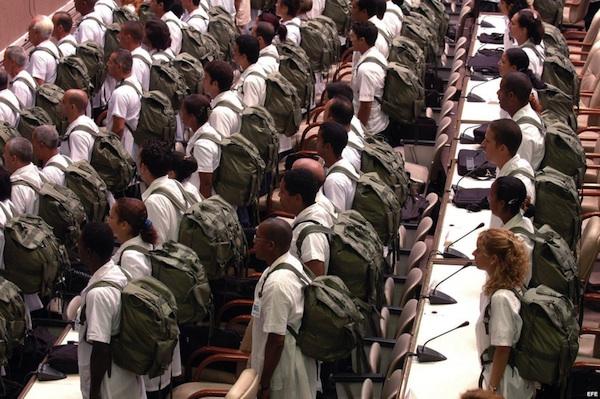 medicubanos cubanos investigados ecuador