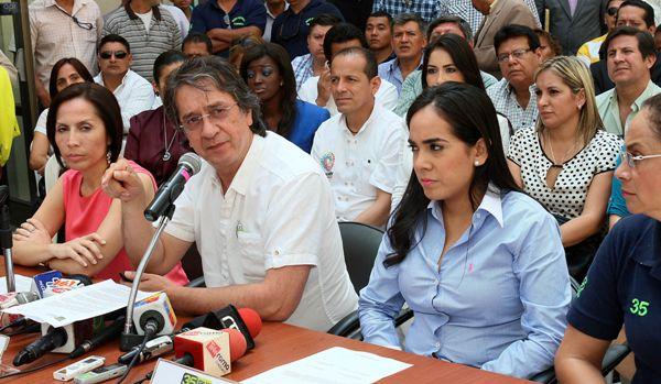 Guayaquil, 6 de Agosto del 2013. En la Gobernacion Galo Mora Witt en rueda de prensa sobre la reelección indefinida. APIFOTO/CÉSAR PASACA