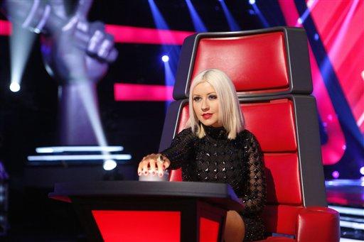 """Christina Aguilera durante las audiciones a ciegas de """"The Voice"""" en una fotografía sin fecha proporcionada por NBC. Aguilera y CeeLo se tomaron un tiempo fuera del progama en la temporada pasada y fueron reemplazados por Usher y Shakira, pero regresarán el lunes 23 de septiembre de 2013 cuando se estrene la nueva temporada del programa de talentos de NBC. (Foto AP/NBC, Trae Patton)"""