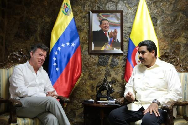 Los presidentes Juan Manuel Santos y Nicolás Maduro en una foto de archivo