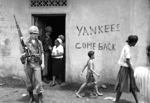 Tropas americanas en Santo Domingo, en República Dominicana.