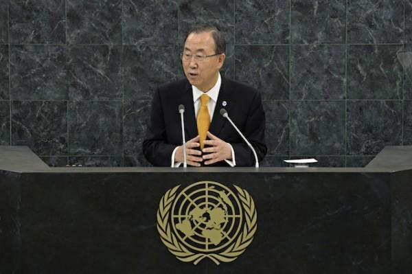 El secretario general de la ONU Ban Ki-moon habla durante la 68va Asamblea General del organismo internacional, el martes 24 de septiembre de 2013, en Nueva York.  (AP Foto/Andrew Burton,Pool)