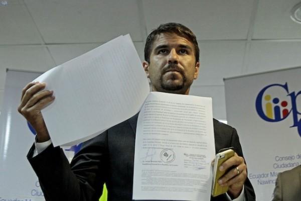 El Asambleista Dalo Bucaram presento impugnaciones en contra de Carlos Ochoa en el Cosejo de participacion ciudadana y contro social.. FOTOS API / JUAN CEVALLOS.