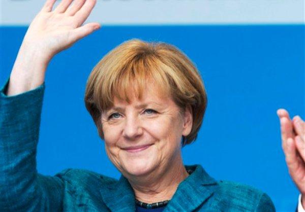 La canciller alemana Angela Merkel en un mitin de la Unión demócrata Cristiana en Bad Koestritz, centro de Alemania, el domingo, 15 de septiembre del 2013. (Foto AP/Jens Meyer)