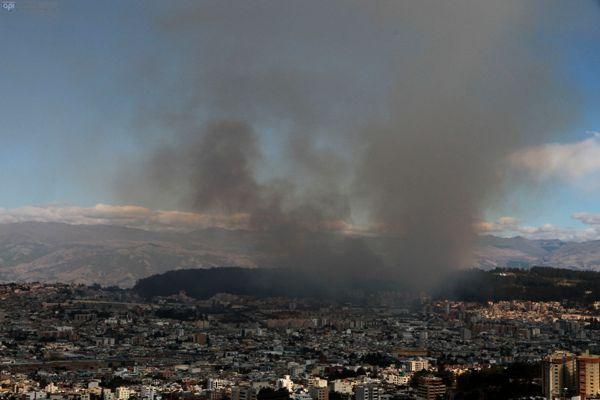 Incendio del Parque Metropolitano, el 22 de septiembre de 2013, en Quito. API