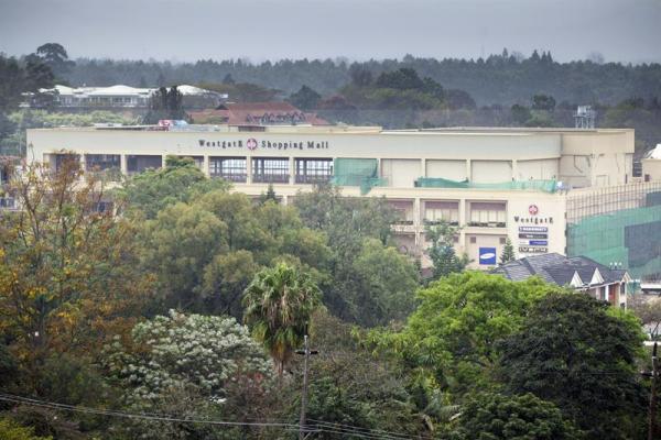 El centro comercial Westgate, en Nairobi, atacado por una milicia islamista, el sábado 21 de septiembre de 2013.
