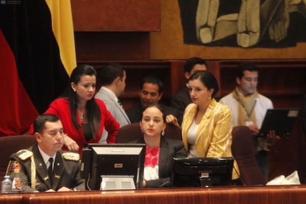 QUITO 20 DE SEPTIEMBRE DEL 2013. Asamblea Nacional. FOTOS API / JUAN CEVALLOS.