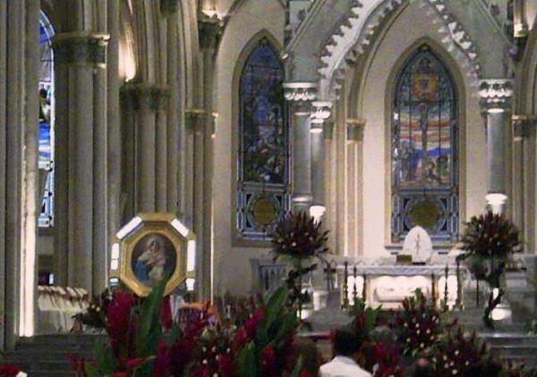 Mater en Catedral Gye