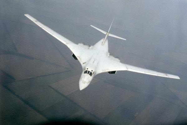 Bombardero Tu-160