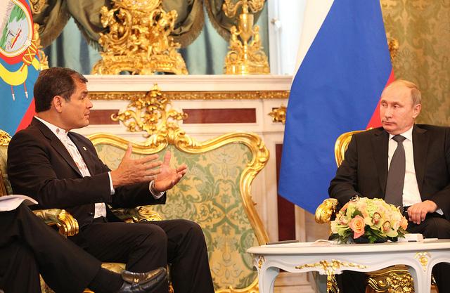 Rafael Correa y Vladimir Putin. Foto de Archivo: La República