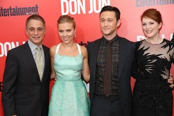 Toni Danza, Scarlett Johansson, Joseph Gordon Levitt y Julianne Moore.