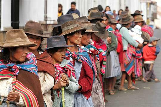 indigenas bolivia