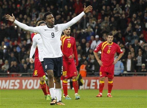 El jugador de la selección de Inglaterra, Daniel Sturridge, festeja un gol contra Montenegro en las eliminatorias mundialistas el viernes, 11 de octubre de 2013, en Londres. (AP Photo/Sang Tan)