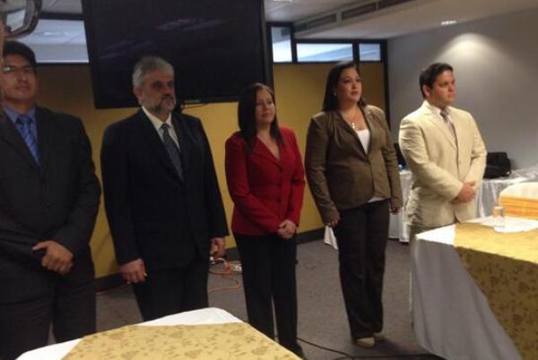 Los interventores de la Universidad de Guayaquil: Jorge Kalil, que preside la comisión, Lobelia Cisneros, Luis Carmenate, Sybil Reyes y Julio Rodríguez.