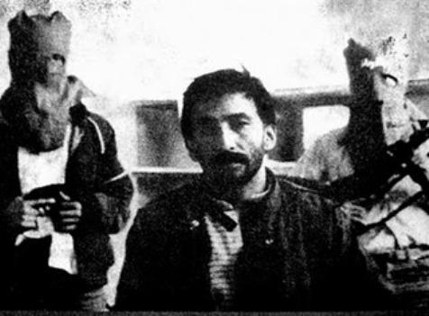 Arturo Jarrín con miembros de AVC.
