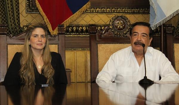 La Vicealcaldesa Domenica Tabacchi y el Alcalde Jaime Nebot
