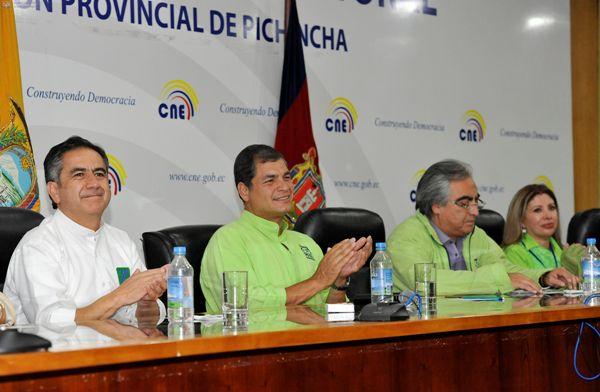 Quito, 20 de Noviembre del 2013. Insripcion de candidaturas del moviemiento ALIANZA PAIS. APIFOTO/CÉSAR PASACA