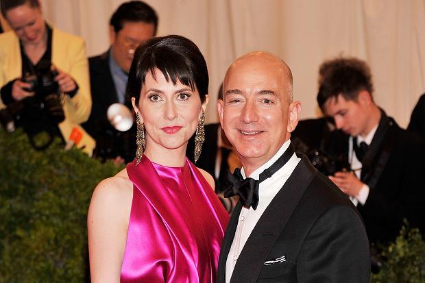Resultado de imagen para Jeff Bezos, y su esposa, Mackenzie,