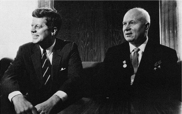Nikita Kruschev Y John F Kennedy.