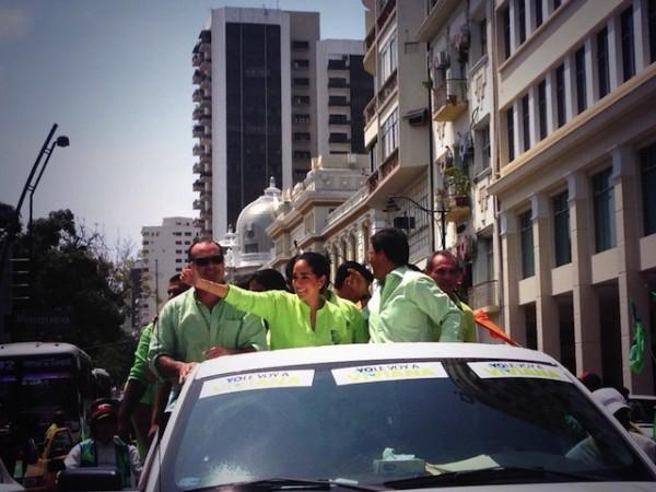 Gustavo Navarro, Viviana Bonilla y Carlos Luis Morales, antes de inscribir sus candidaturas.