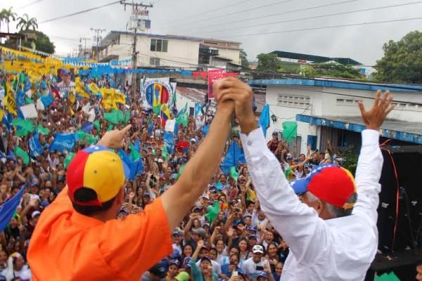 Capriles y Omar Lares candidato a la municipalidad de Campo Elías