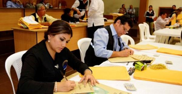 Guayaquil 20 de Noviembre del 2013. Movimiento Alianza País realizó el registro de los candidatos que participaran en las elecciones seccionales de febrero proximo. Foto: Marcos Pin /API