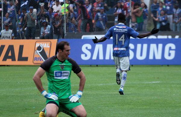 SANGOLQUI 23 NOVIEMBRE 2013. Independiente vs Emelec. FOTOS API / JUAN CEVALLOS.